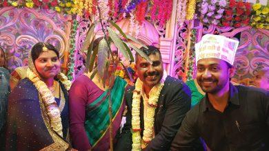 Photo of ट्री मैन सुजीत ने मुखिया जी के शादी के सालगिरह के अवसर पर दुनिया के अनोखे उपहार भेंट किए