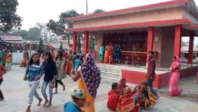 Photo of महाशिवरात्रि के अवसर पर मंदिरों में श्रद्धालुओं की उमड़ी भीड़